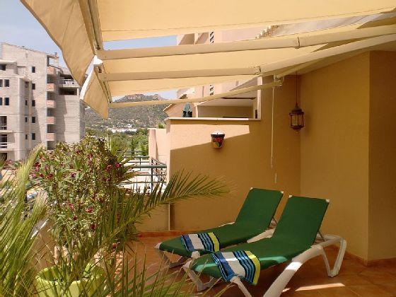 Die-Liegen-auf-dem-Balkon_Cala-Millor_op-01-1